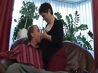 Incredible Deepthroat With Hairy Mummy