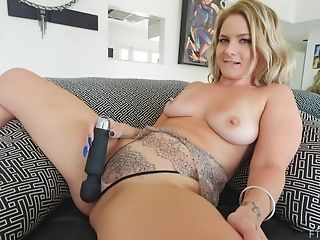 Close Up Homemade Flick Of Matures Lisey Pleasing Her Cravings