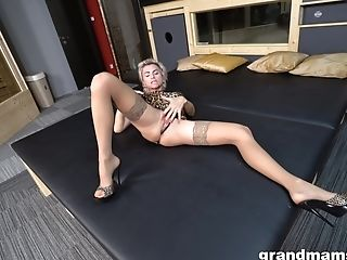 First-timer Blonde Model In Stockings Taunts And Gets Penetrated