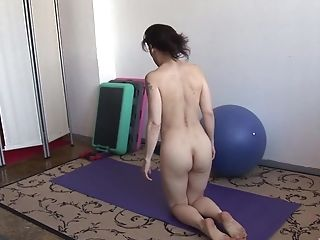 Solo Matures Unexperienced Gets Naked During Her Yoga Session And Masturbates