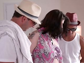 Two Deviant Dudes Fuck Hookup-thirsty And Jism-thirsty Harlot Lucia Love