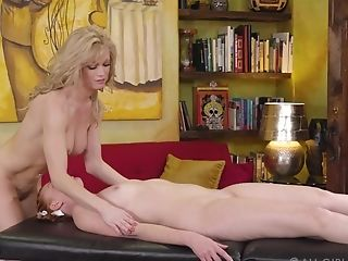 Desirable Lesbos Marie Mccray And Serene Siren Have Nice Hump