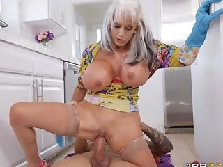 Sally D'angelo Gets Her Cunt Fucked By A Luxurious Dude In The Kitchen