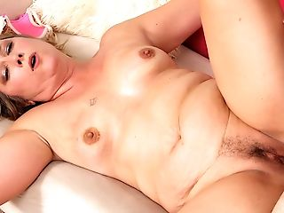 Matures Catrina Costa Gets Her Hairy Cunt Pleasured With Frigs And Salami