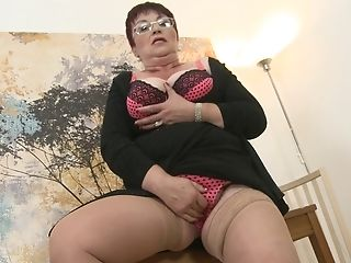 Matures Ginger-haired Bbw Gita Licks Her Tits And Masturbates